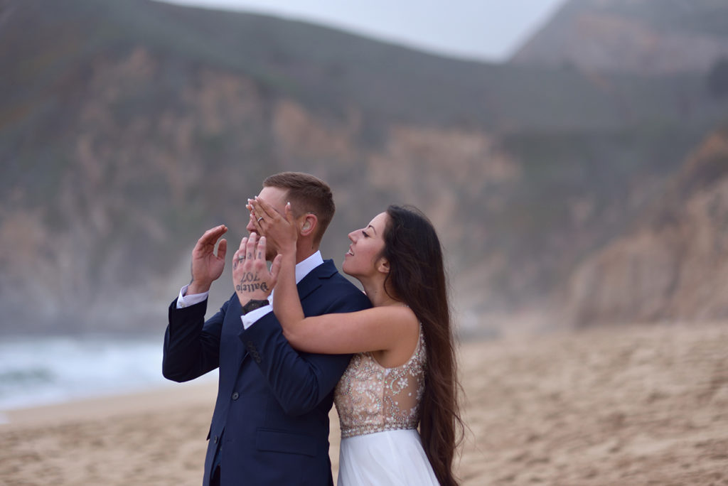 Half Moon Bay. Engagement session by the ocean.